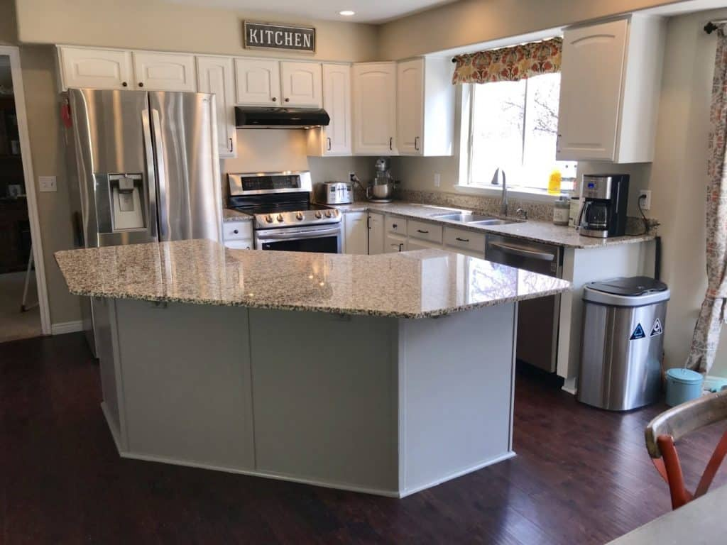 Classy kitchen furniture that is newly painted in white